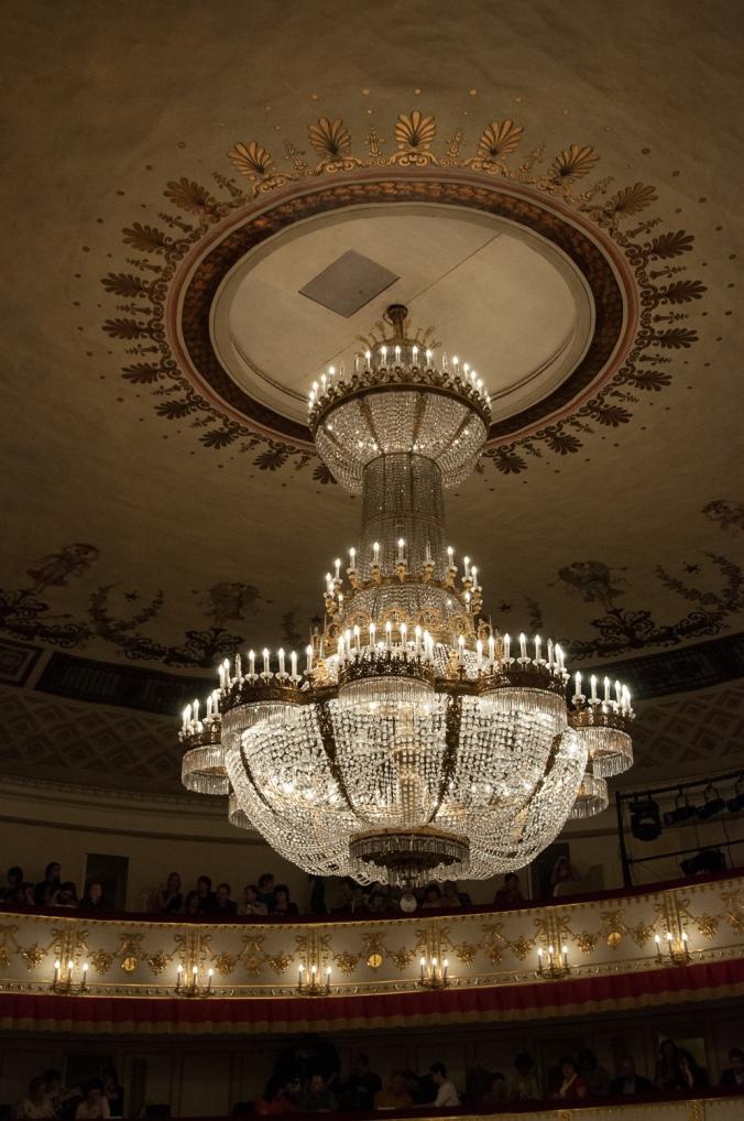 Alexandrinsky Theatren kattokruunu Copyright © Le Danseur Terrible